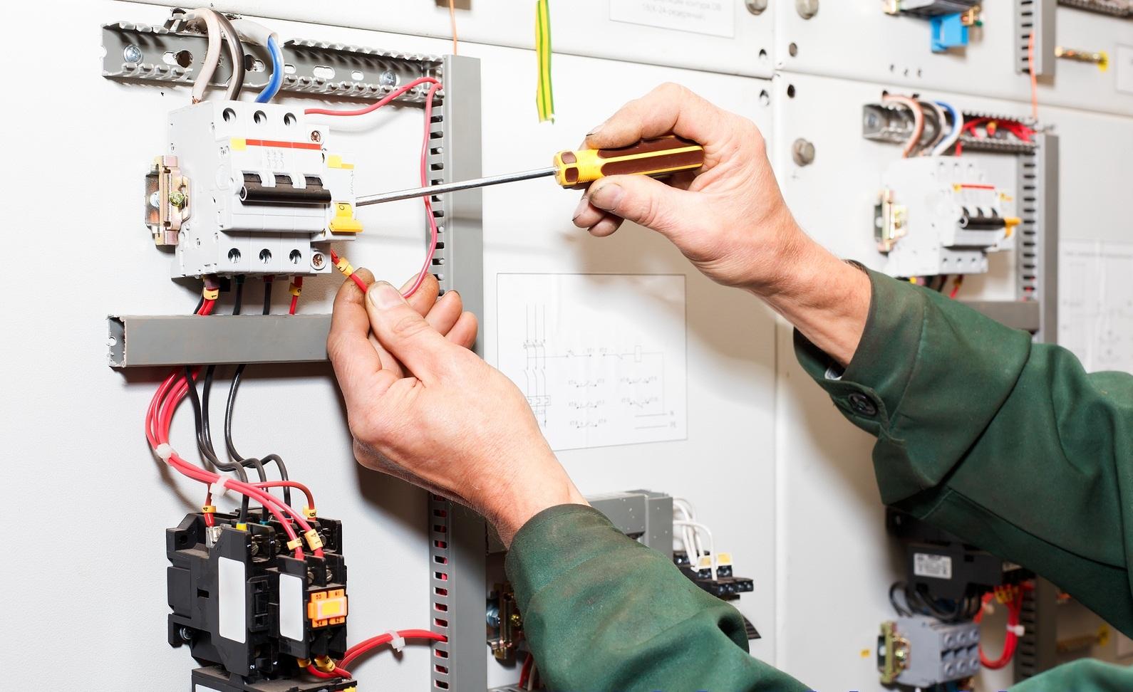 Thợ sửa điện dân dụng tại nhà